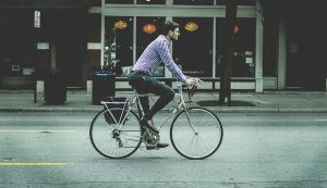 Man commuting by bike trying to lose weight cycling
