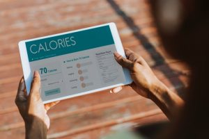 Keeping track of calories on an app can help you stop yo-yo dieting