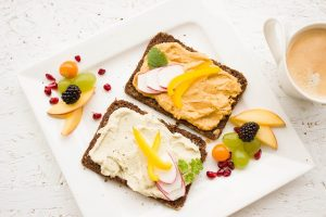 Healthy breakfast with toast and a do carbs make you fat question