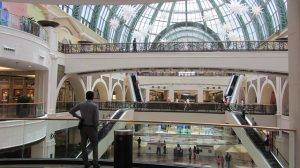 dubai shopping mall as one of the free things to do in Dubai