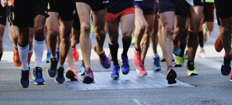 people preparing for sports night run series dubai