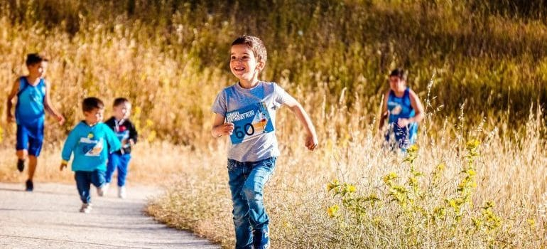 kids with motor issues running