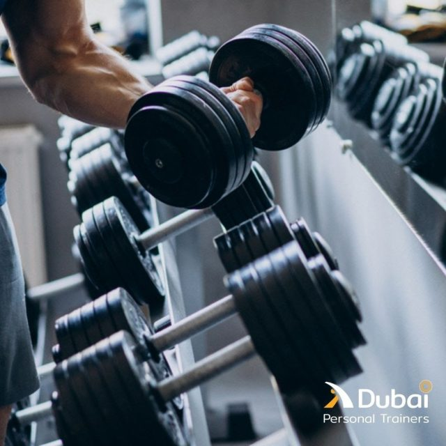 Lifting weights can be a great way to make your body stronger and faster, but it's also an easy way to get injured. With our personal trainers, getting injured is not something you need to worry about! Contact us or follow the link in bio, and we will make sure you lift the right way.  #dubaistyle #dxblife #mydxb  #dubaipt #dubaipersonaltraining #dubaipersonalcoaching